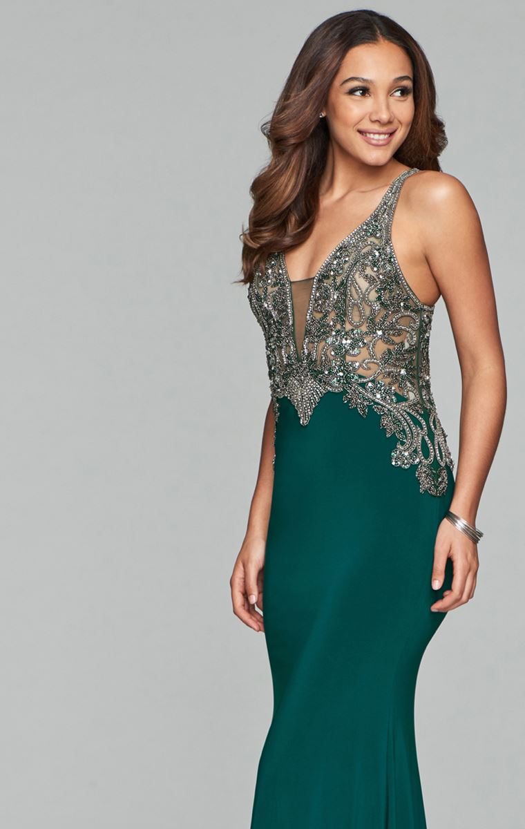 What is the Best Prom Dress Color for My Skin Tone. Desktop Image